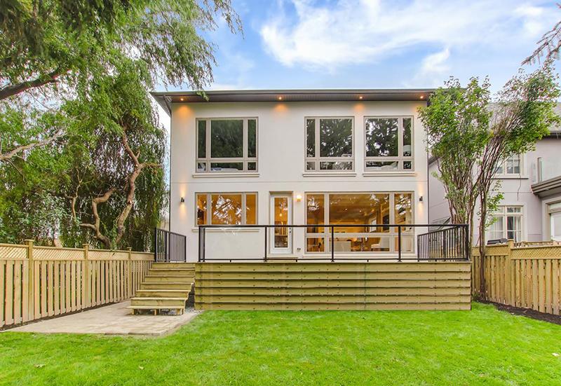construction-management-custom-home-in-toronto-exterior