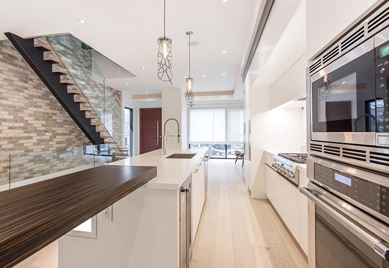 amazing-custom-home-kitchen-design