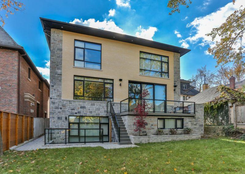 burton-rd-custom-home-back-exterior
