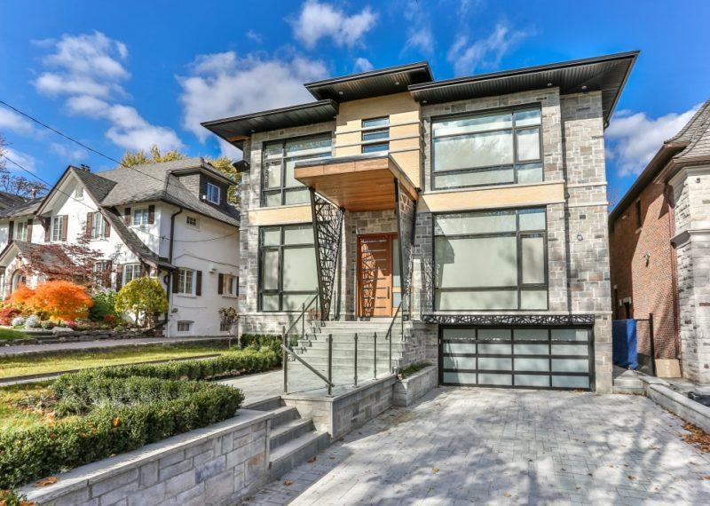 custom-home-exterior-in-toronto