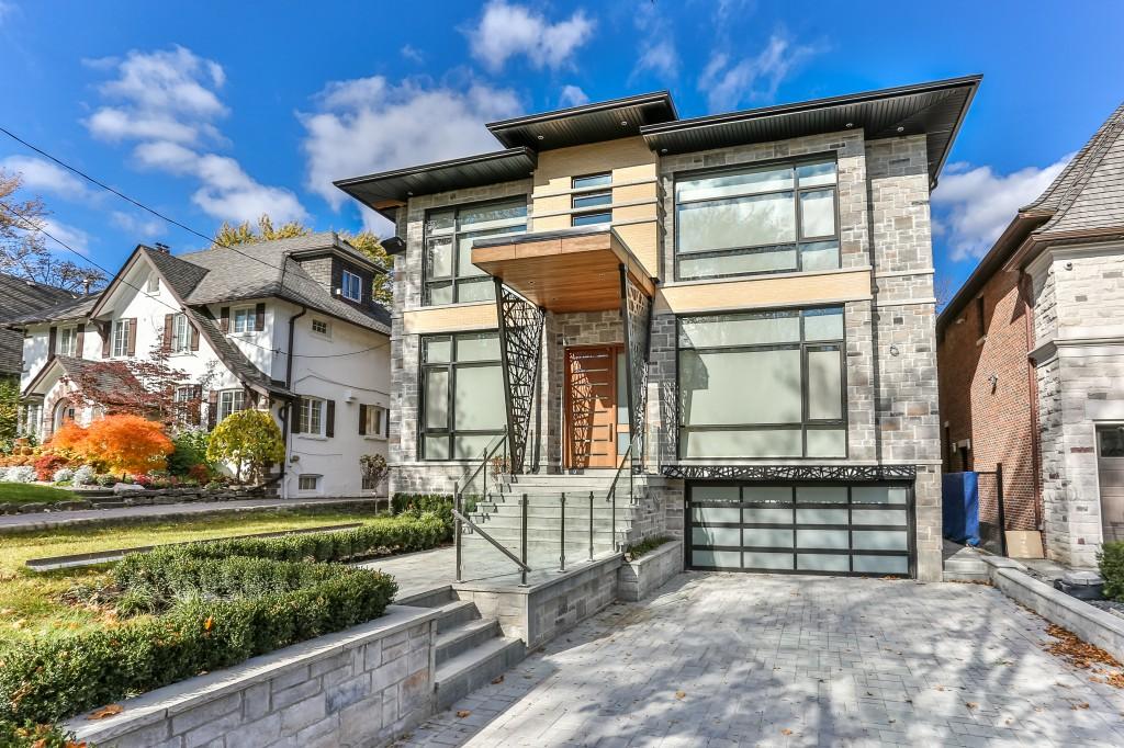 custom-home-exterior-in-toronto.jpg