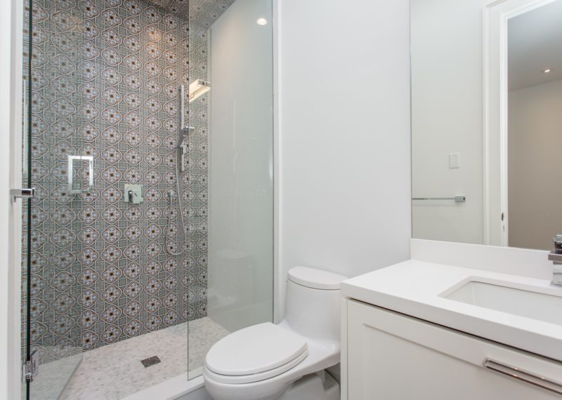 guest-toilet-shower-and-sink