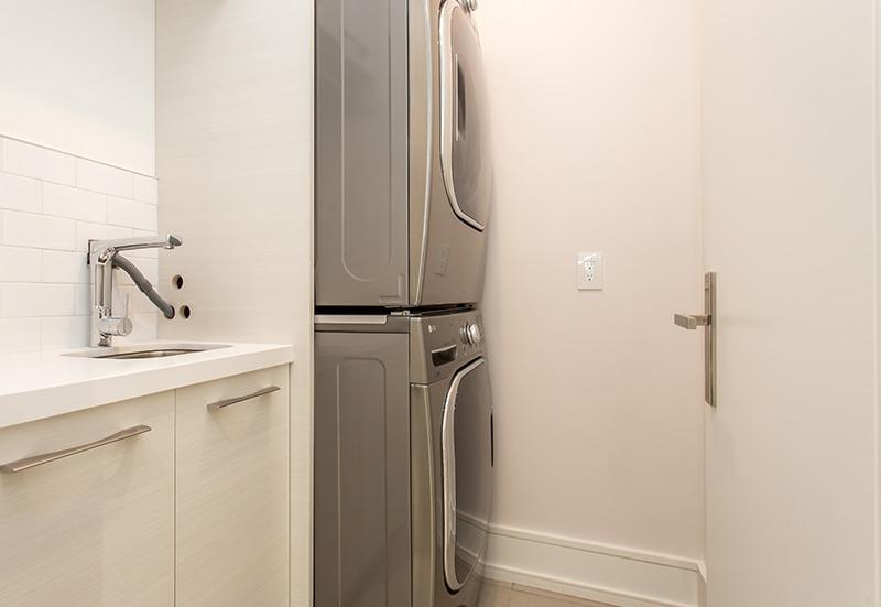 laundry-room-dryer-and-washing-machine