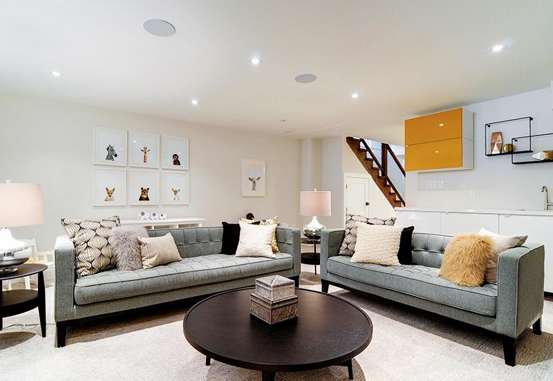 living-room-interior-home-renovation-in-toronto