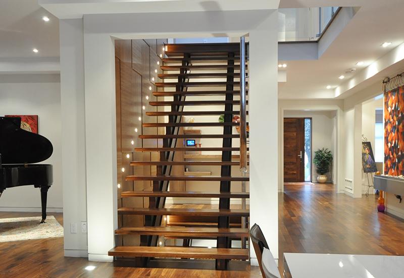 main-staircases-led-illuminated