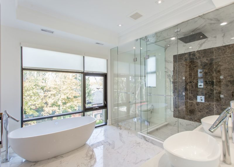 master-bathroom-designed-by-wallzcorp