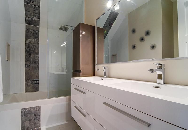 master-bathroom-double-vanity-large-mirror