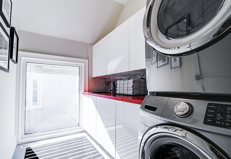 modern-compact-laundry-room-washer-and-dryer