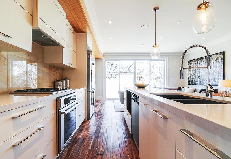 modern-kitchen-design-with-dark-oak-flooring
