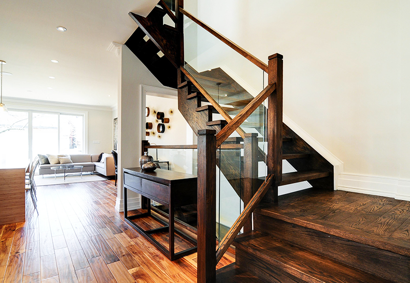wooden-staircase-with-glass-railings